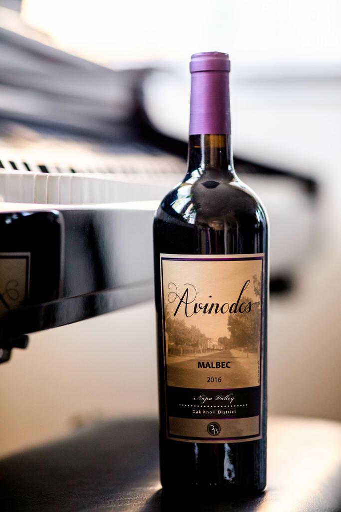 AvinoDos Wines AvinoDos Malbec - Oakville District Bottle Preview
