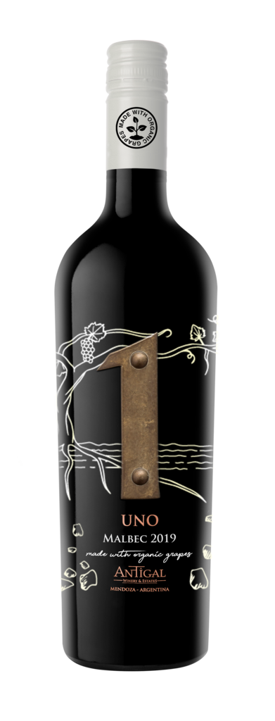UNO Malbec Made with organic grapes Bottle