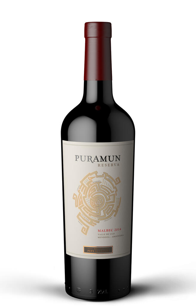 For this Malbec we hand picked grapes from different vineyards across the Uco Valley. The idea is to show all the potential that Malbec develops in te Uco Valley. With 12 month in french oak barrels. Bottle